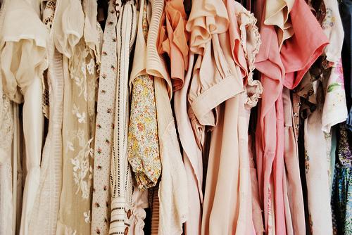 Kaip išsirinkti kokybišką suknelę, kainuojančią vos kelis eurus?