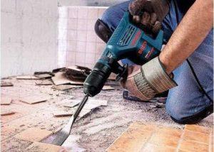 Kodėl statybų bendrovės nuomoja įrankius, užuot juos pirkusios?